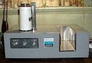 Espectròmetre IR Perkin Elmer (1961).