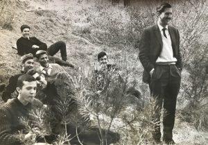 1964 J. Vaquer d'excursió amb els alumnes del grup VII del curs selectiu a la Vall de Núria. Arxiu: Familia J. Vaquer.- M .Guilemany