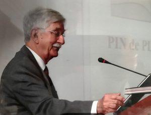 1998 J. Vaquer a l'Aula Magna de la Universitat de Barcelona el dia de la seva jubilació. Arxiu: Familia J. Vaquer.- M .Guilemany