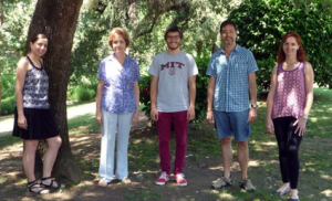 Grup de recerca dirigit per la Dra. Isabel Esteve (2009) Font: Arxiu familiar